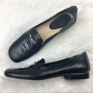 Trotters   Black & Silver Slip-on Loafers 8.5
